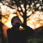ストレスで仕事を辞めたい。ストレスを感じやすい人の特徴と対処法