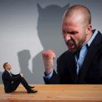 怖い上司の特徴、接し方。怒ってばかりの上司に怯えて転職するのはあり?