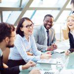 職場で会話に入れない理由と対処法。会話に入る具体的な方法とは?