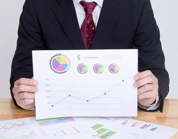 グーグルのアナリティクスでデータを解析する